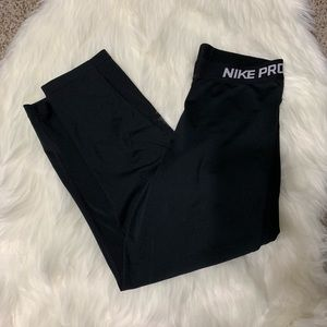 Nike pro crop black leggings size medium
